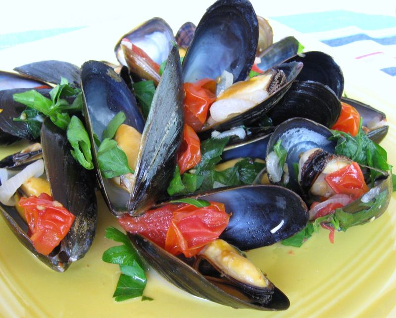 tomatoes wine and anise recipes dishmaps mussels with tomatoes wine ...